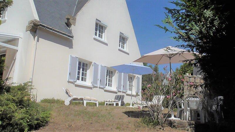 Villa de Vacances Bord de Mer 10/12 Personnes, Maison au Calme, 200M PLAGE, location de vacances à Saint-Nazaire
