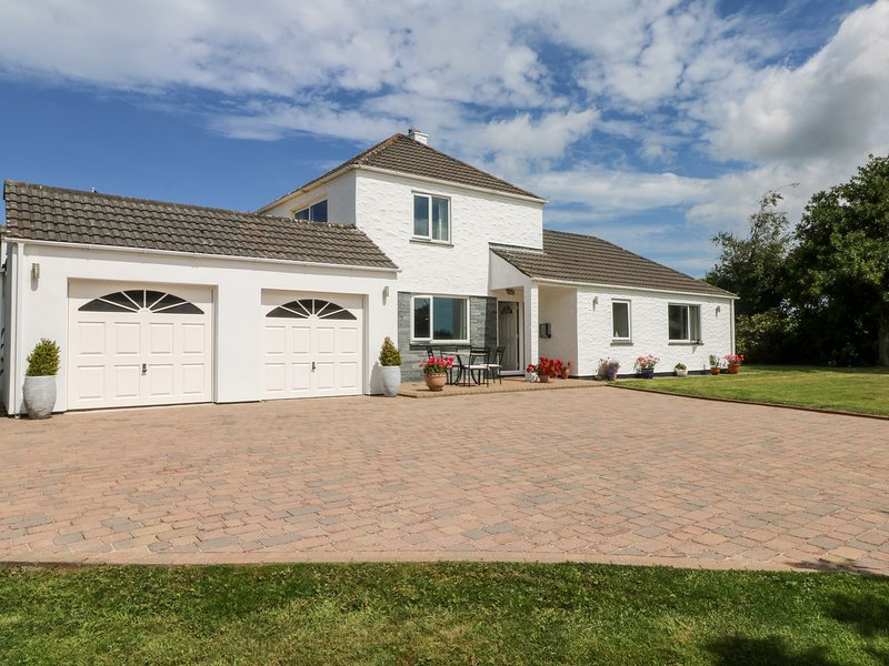 Trevore Farmhouse, Chacewater, holiday rental in Whitehall