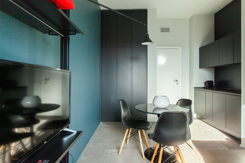 Take the 12 #1, vakantiewoning in San Donato Milanese
