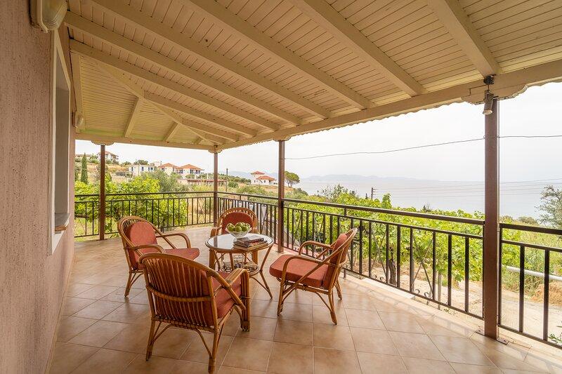 Koroni Seaview Home, Beachfront Villa Panos, vacation rental in Koroni