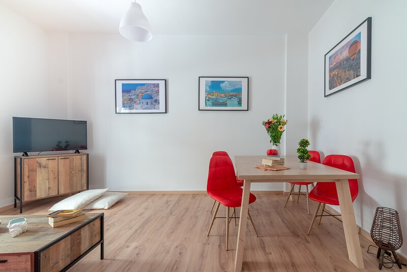 Xenia Apartment in the heart of Heraklion, vacation rental in Amoudara