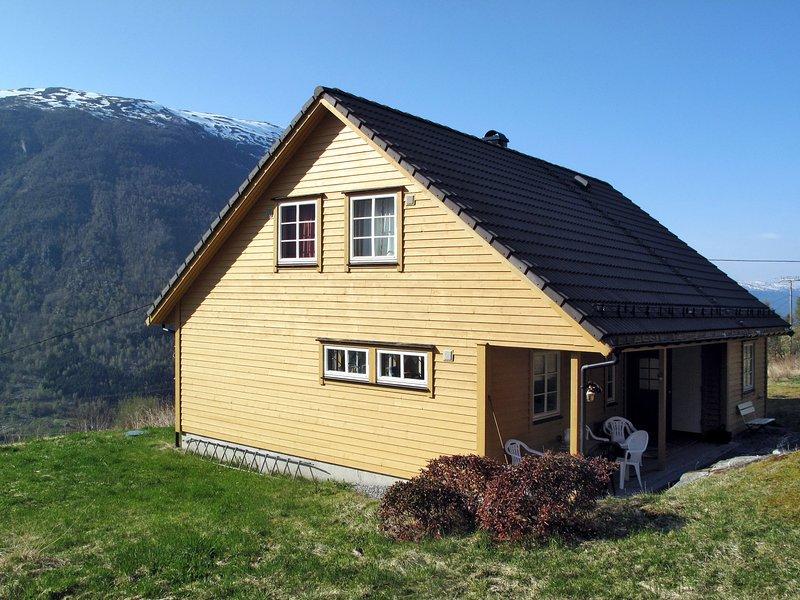 Nedtunet Åse (FJS622), holiday rental in Nese