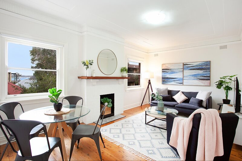 Heritage Home Metres from Manly Beaches and Dining, vacation rental in Manly