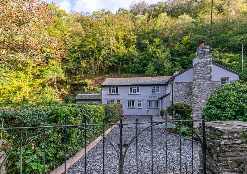 The Ancient Cottage, location de vacances à Pelynt