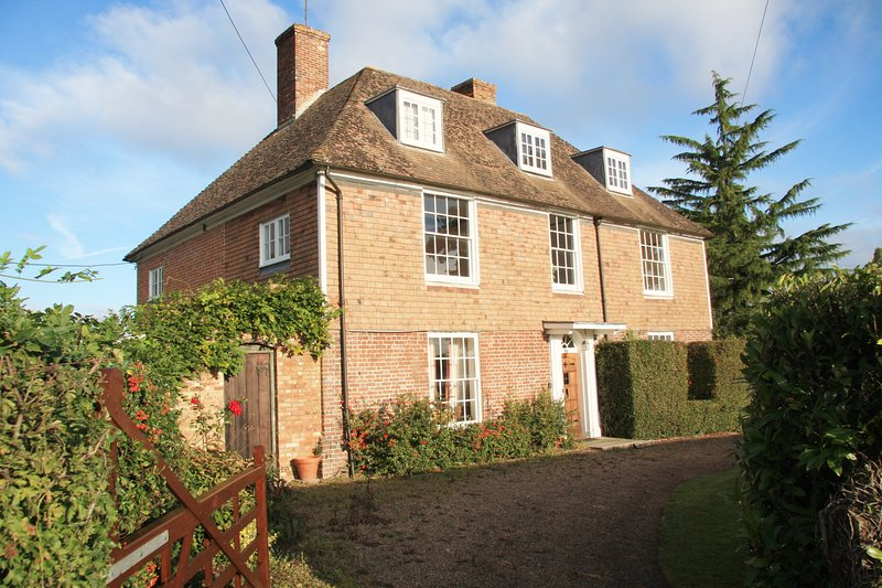 Barons Grange Bed and Breakfast Oak Room, holiday rental in Stone in Oxney