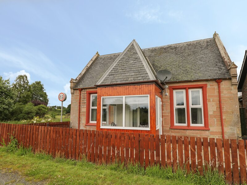 Blantyre Cottage, Muir Of Ord, holiday rental in Kirkhill