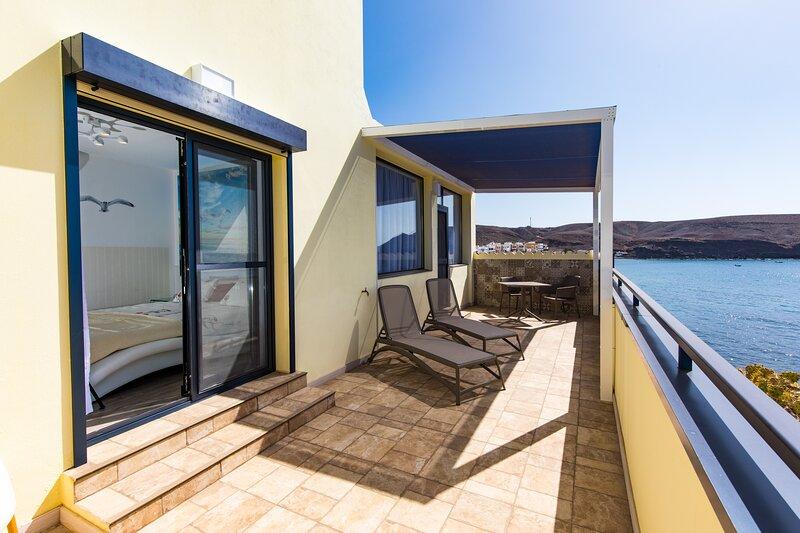 Los Reyes En la Playa, Beachfront, holiday rental in La Lajita