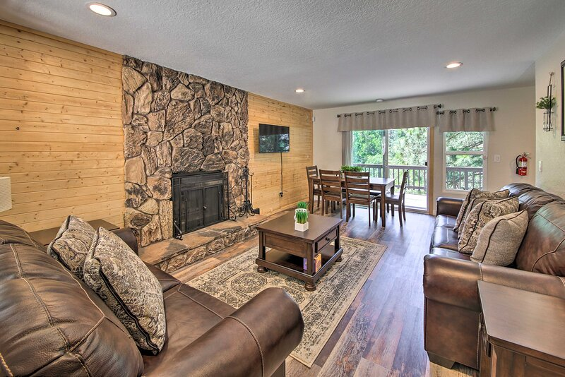 NEW! Quiet Lake Arrowhead Retreat w/ Large Deck!, holiday rental in Victorville