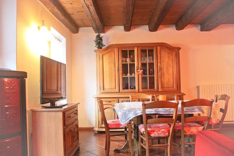 Appartamento rustico nel cuore delle Dolomiti, holiday rental in Tai di Cadore