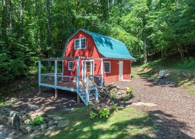 The Barn at Maple Hill | Perfect couples getaway retreat!, alquiler de vacaciones en Marion