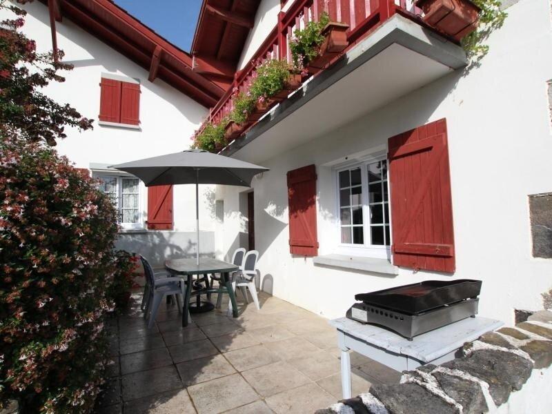 ETCHEBERRIA, casa vacanza a Saint-Esteben