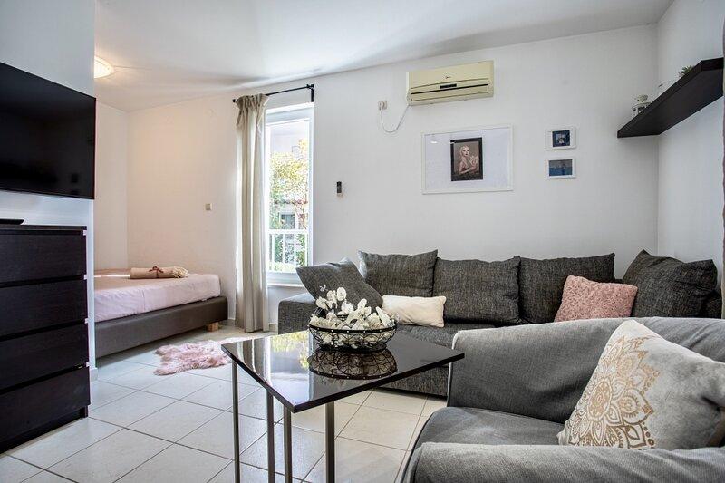 Apartment 4684-2 for 4 Pers. in Baška, location de vacances à Jurandvor