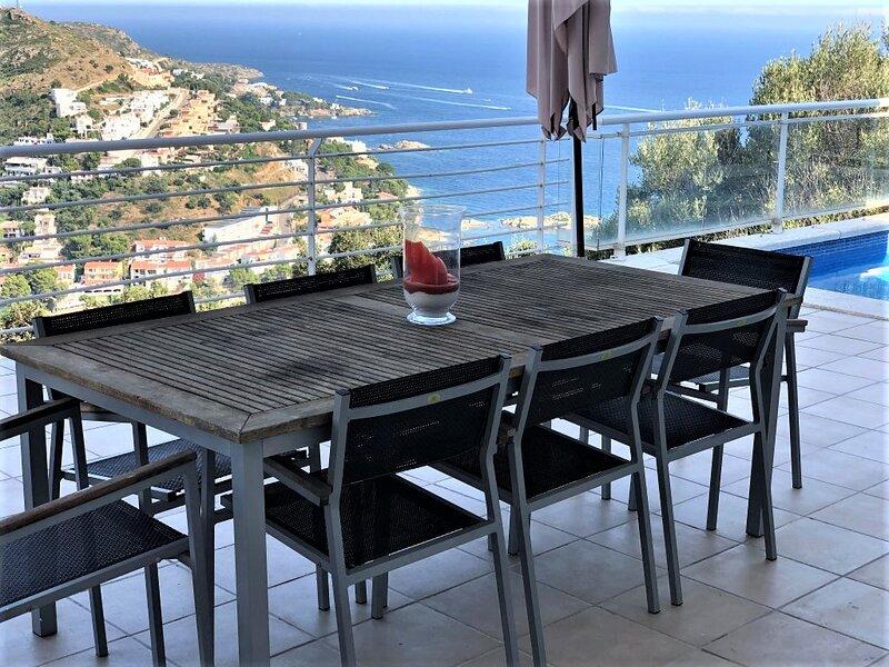 Villa en Roses con vistas excepcionales, vacation rental in Roses