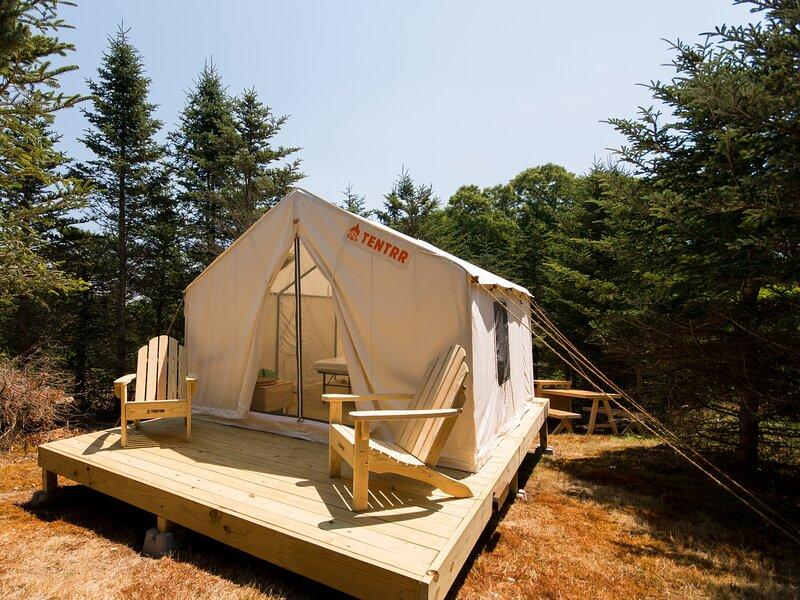 Tentrr Signature Site - The Wampanoag Site at Hilltop Tree Farm, casa vacanza a Tiverton