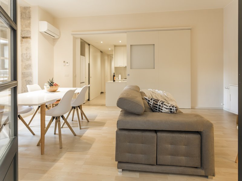 Fantastic Apartment in the Heart of the Old Center (3B), holiday rental in Quart