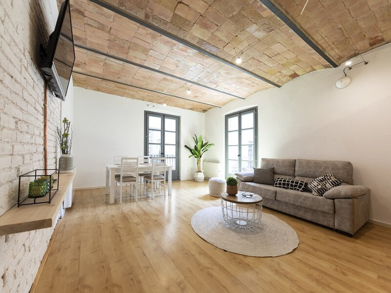 Fully renovated 2 bedroom Apt. center Old Town (EB), holiday rental in Quart