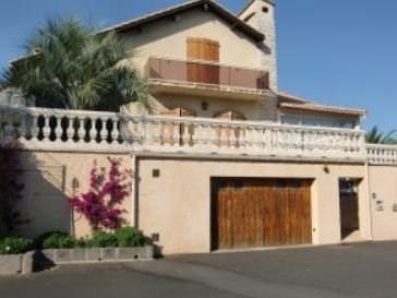 Nice apartment with garden, holiday rental in Bessan