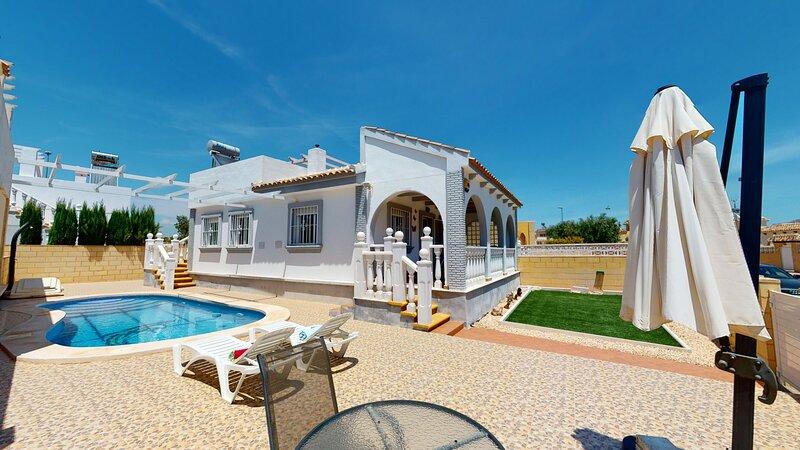 Villa Sierra - A Murcia Holiday Rentals Property, holiday rental in La Tercia