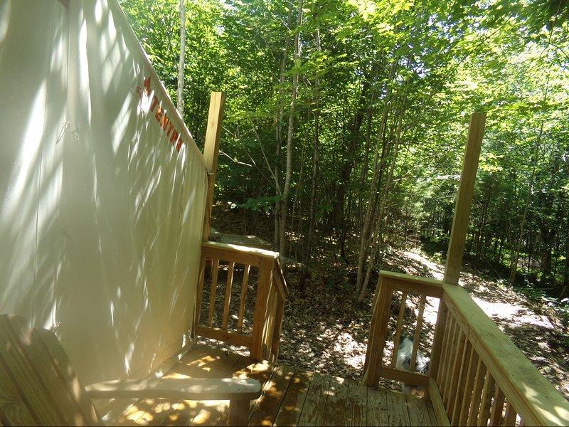 Tentrr Signature Site - Private Retreat at River's Edge, casa vacanza a Greene