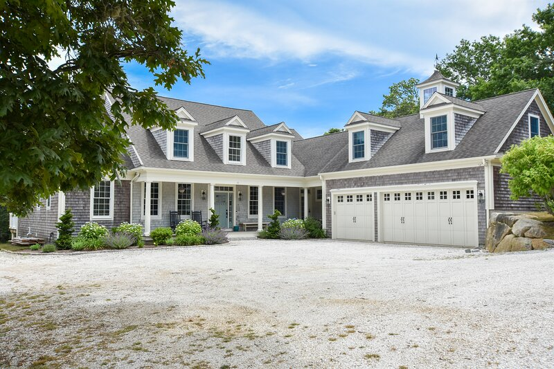 #631: Spacious, New Construction, Supreme Location, Central A/C!, casa vacanza a West Chatham