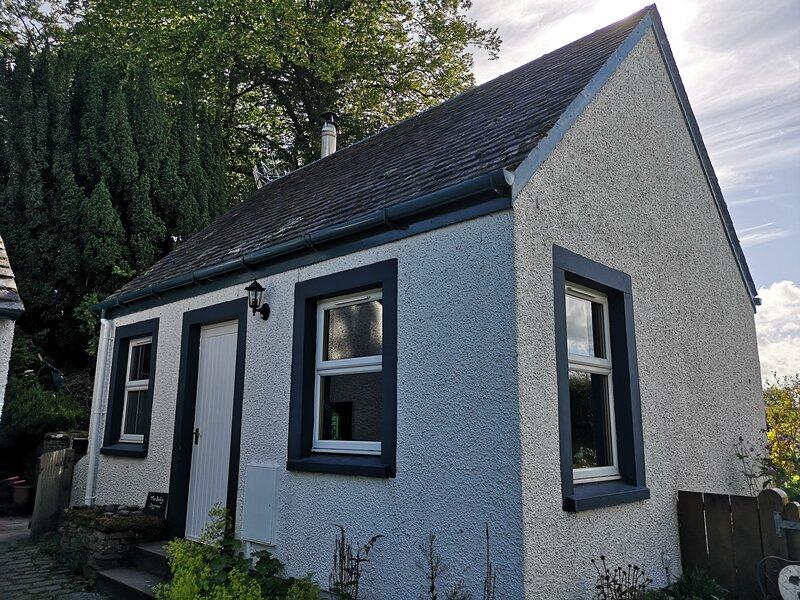 Private Cottage Bothy near Loch Lomond & Stirling, casa vacanza a Kippen