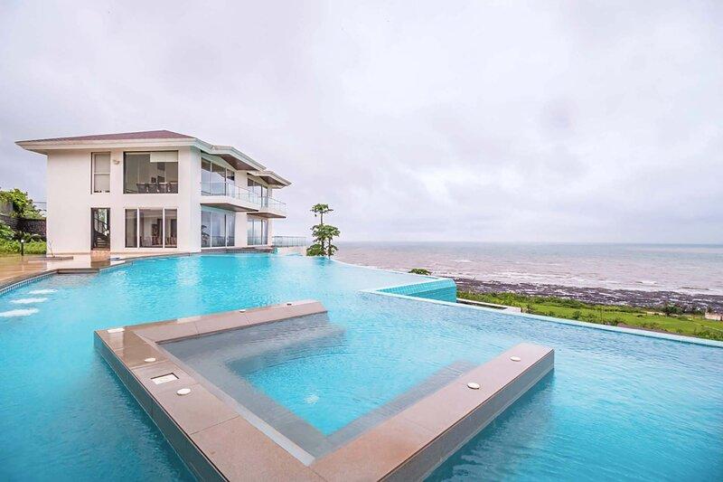 Casa Bella by Vista Rooms, vacation rental in Kashid