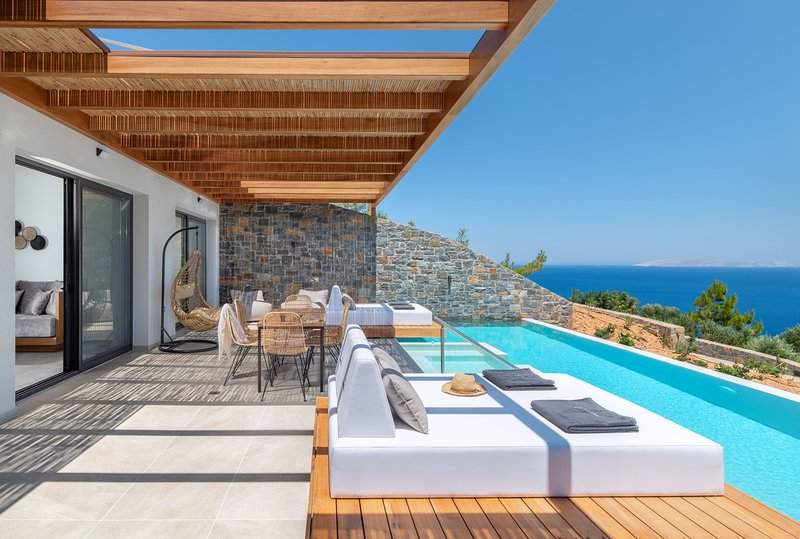 Villa Vittoria - Breathtaking sea views, private heated pool, close to the beach, holiday rental in Rodia