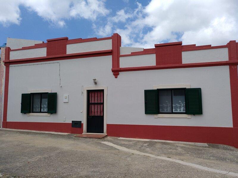 Casa de campo para férias em localização tranquila., location de vacances à Sao Bras de Alportel