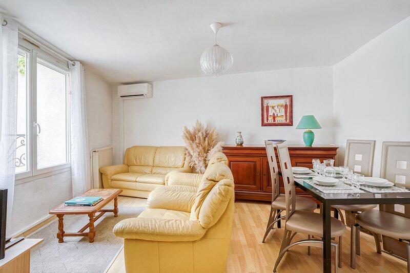 LE NARBONA - Appartement et garage Narbonne centre - canal et mer, holiday rental in Vinassan