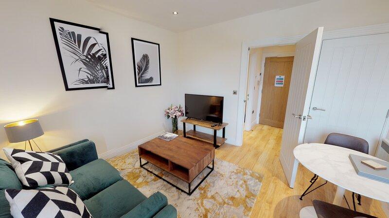 Stylish Oxford apartment Morris Nomad Suite #10, Ferienwohnung in Thame