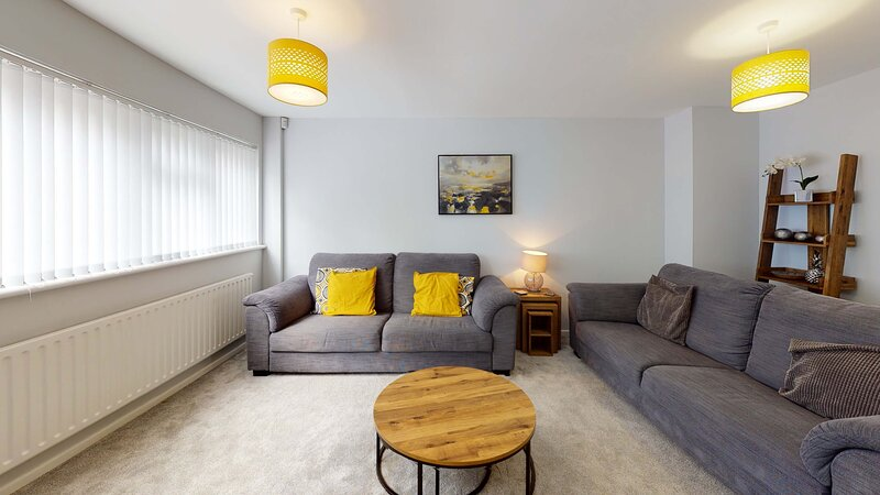 Oxford four bedroom home sleeps 7, holiday rental in Cuddesdon