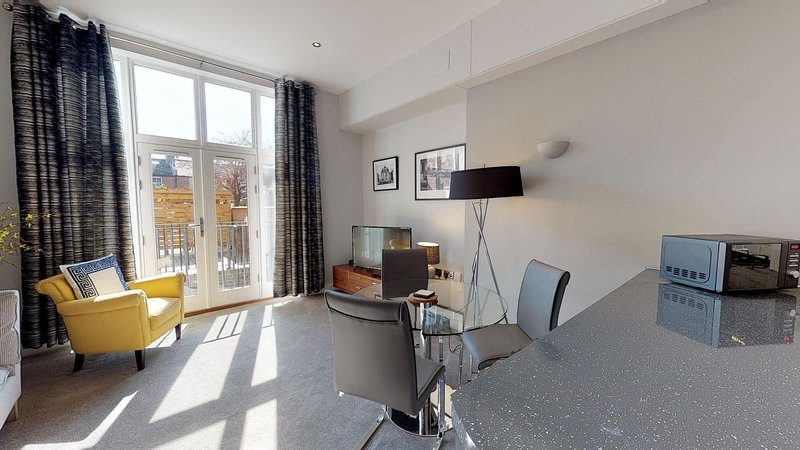 The Beauchamp Suite, holiday rental in Warwick