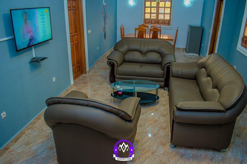 Appartement meublé situé à 10 min du centre ville, Maison de vacances, holiday rental in Pointe Noire Department