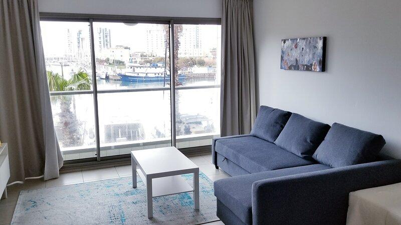 Lovely apartment with a view, alquiler de vacaciones en Ramat Hasharon