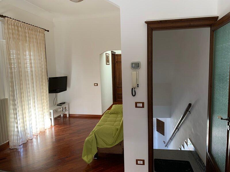 Al Campanile 'appartamento nel cuore degli Iblei', holiday rental in Giarratana