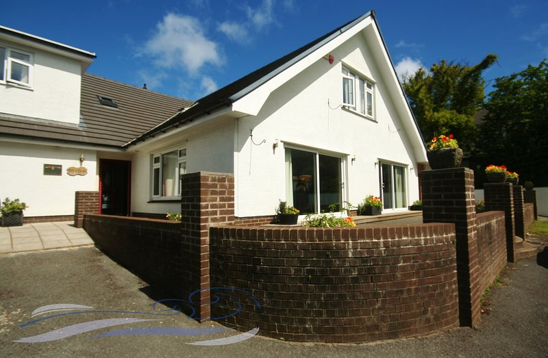 Ael Y Bryn, Caswell - 6 Bedroom House, aluguéis de temporada em Swansea