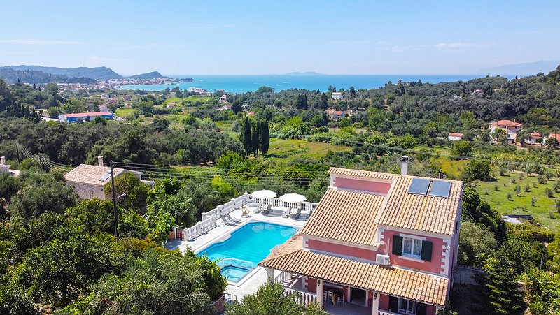 Daphne's Villa 1 Corfu, holiday rental in Astrakeri