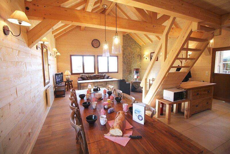 Chalet ANGELE , Ski, proximité Mont Blanc, 1650m Alt., location de vacances à Saint-Etienne-de-Cuines