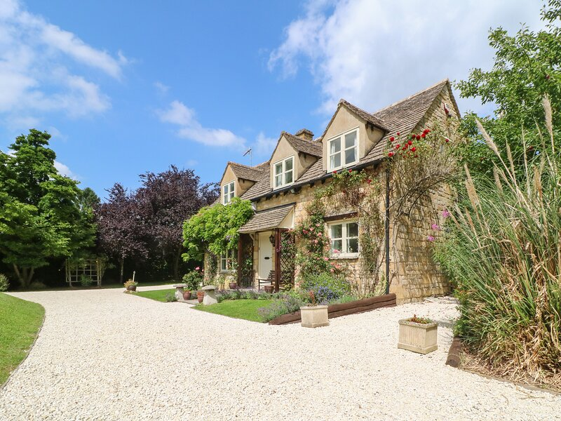 ORCHARD COTTAGE, 3 bedrooms and perfect for friends and families, Buckland, casa vacanza a Childswickham