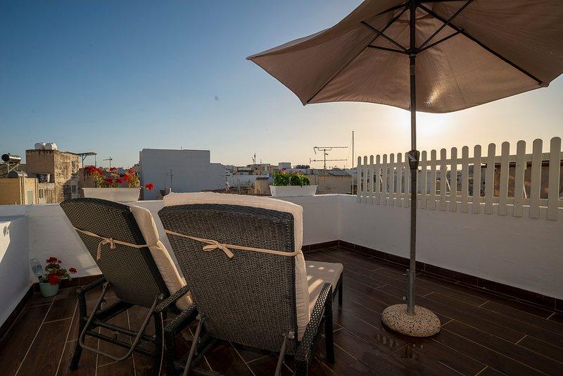 Seaside Apartments Malta - Penthouse w/3 terraces, alquiler de vacaciones en Sliema