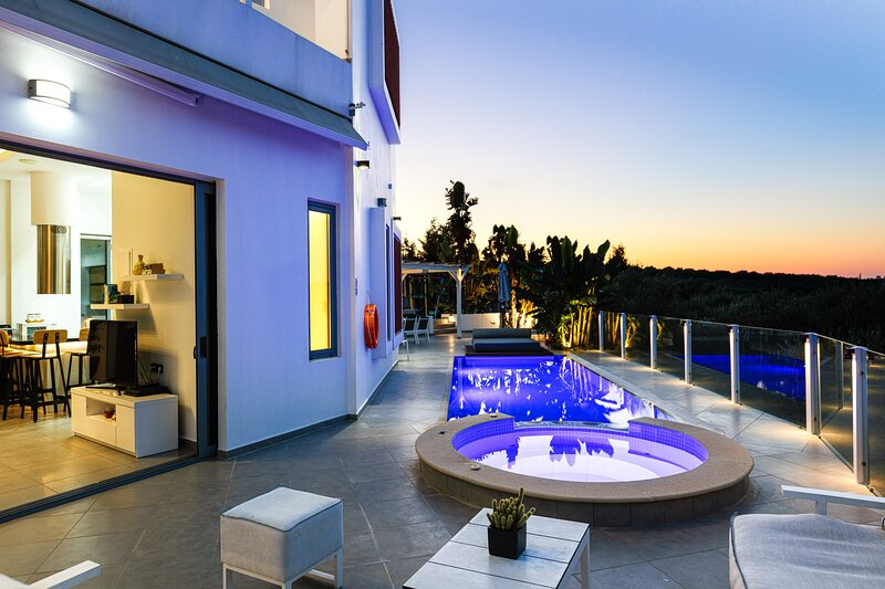 Villa Chara, luxurious design!, vacation rental in Panormos