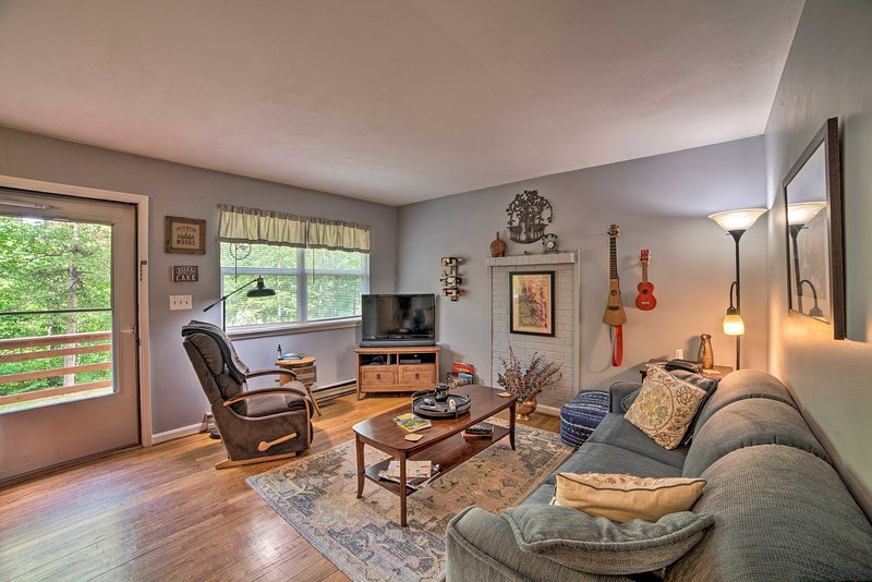 NEW! Cozy Home w/Deck: 9 Mi to Shenandoah Nat'l Pk, holiday rental in Stanardsville