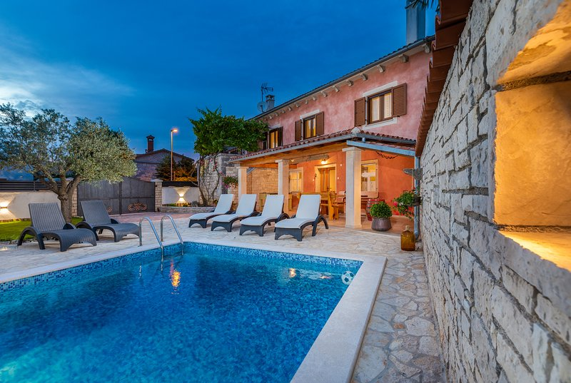 Casa Bepi - Holiday house  in peaceful area with pool near Rovinj, holiday rental in Bibici