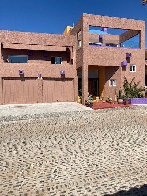 Large, quiet, secure Beach House, vacation rental in San Antonio del Mar