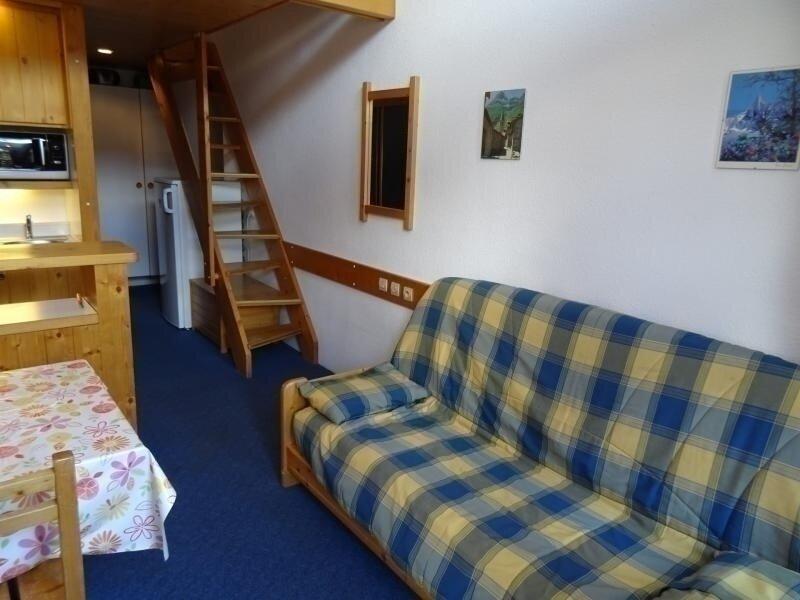 Studio mezzanine 5 personnes à Vallandry en centre station et à côté des pistes, holiday rental in Peisey-Vallandry