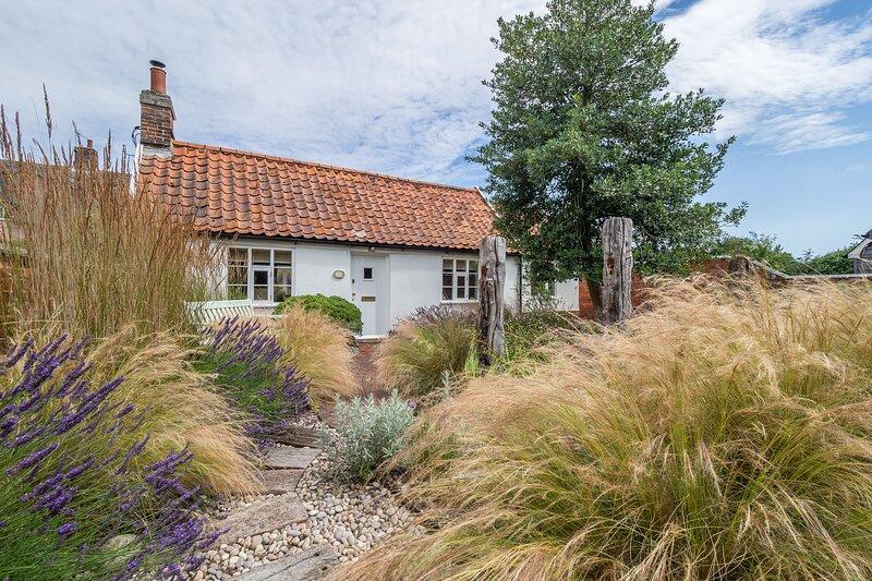 Myrtle Cottage, casa vacanza a Knodishall