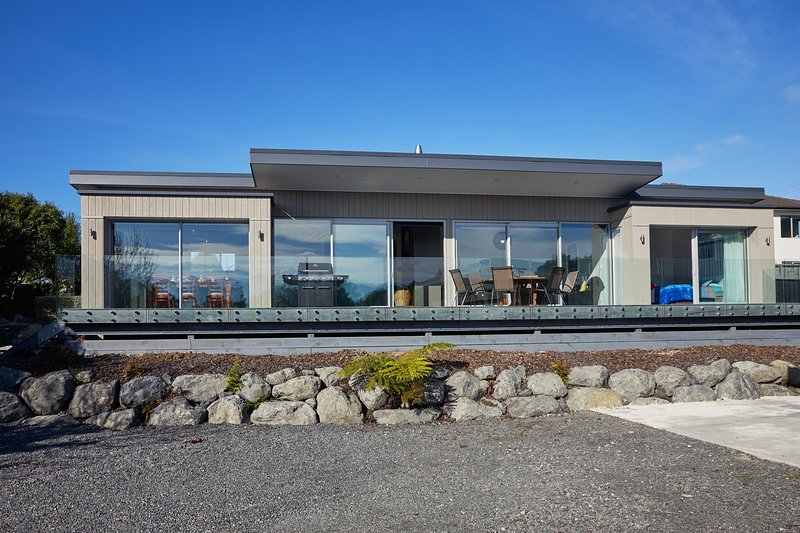 Kaikoura, Rise and Shine - Kaikoura Holiday Home, Kaikoura, vacation rental in Kaikoura