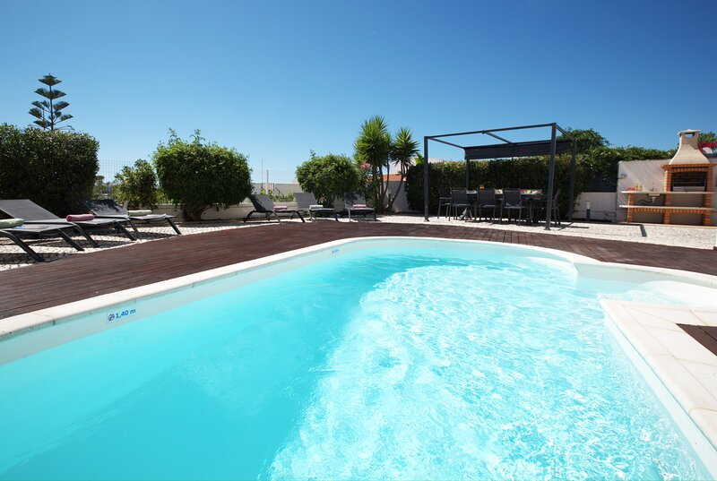 SUPERB VILLA ONLY THE BEST VIEW OF THE ALGARVE..., vacation rental in Ferragudo