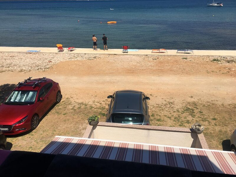Cimera Apartment Sleeps 4 with Air Con - 5862330, holiday rental in Nevidane