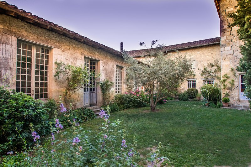 Le Logis - Château de Poudenas, holiday rental in Frechou